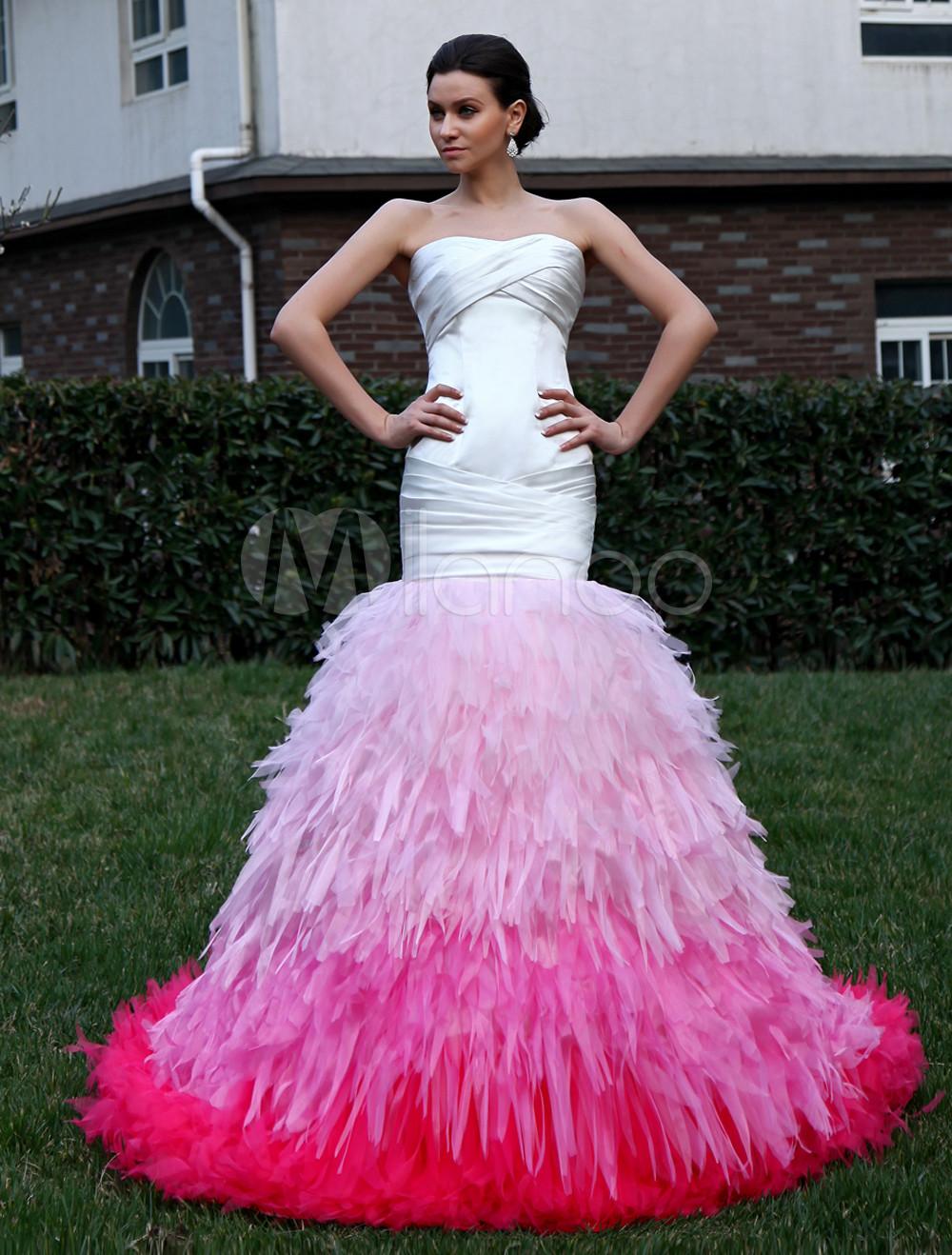 Vestido de boda de satén sin tirantes de cola larga de estilo de ...