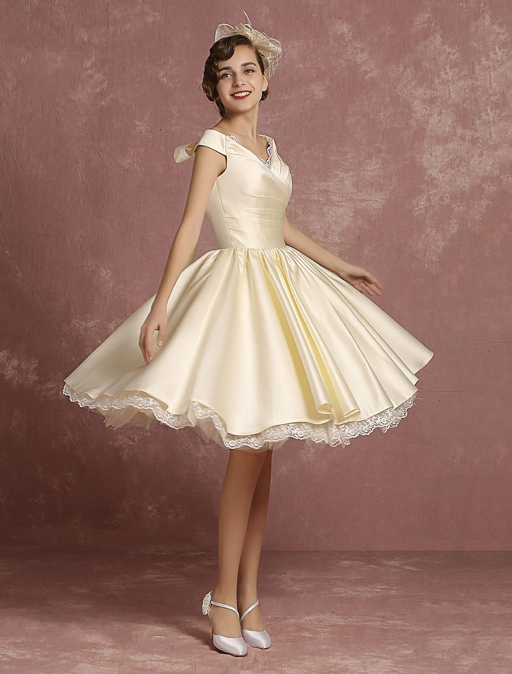 Kurze Brautkleider Satin Vintage Prinzessin Brautkleid Knie Länge ...