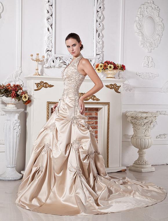 robe mari e magnifique boule en satin champagne avec perles col v tra ne chapelle. Black Bedroom Furniture Sets. Home Design Ideas
