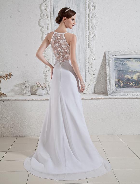 24bec8324e ... Vestido de novia blanco de gasa y de satén elástico ajustado con escote  en V de ...
