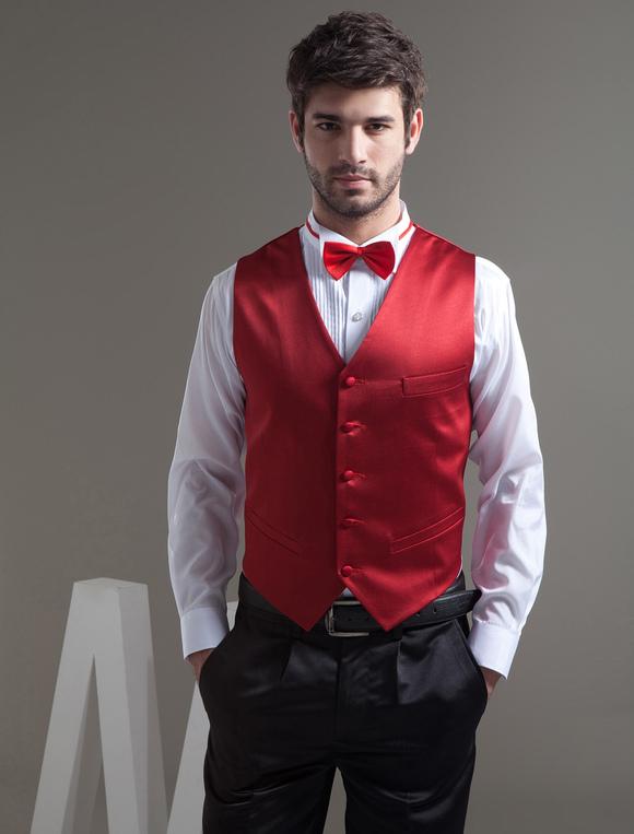 traje de novio negro con rojo