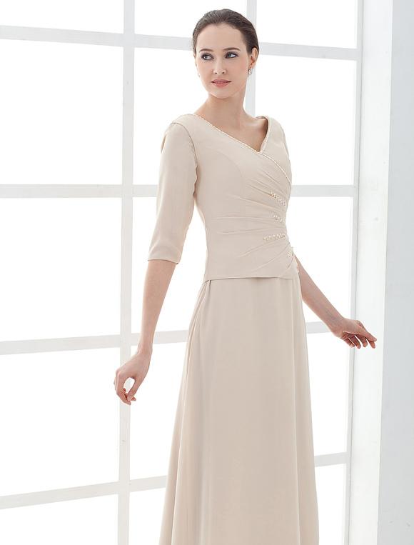 3077dd2ee366 ... Vestito per la madre della sposa champagne in raso a pieghe alla  caviglia Abiti per Ospiti ...