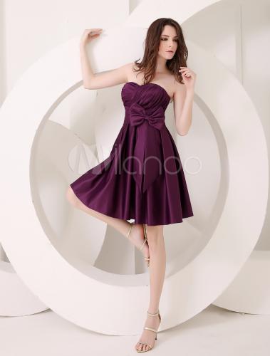 Vestido De Damas De Honor De Satén De Color De Uva Con Escote De Corazón