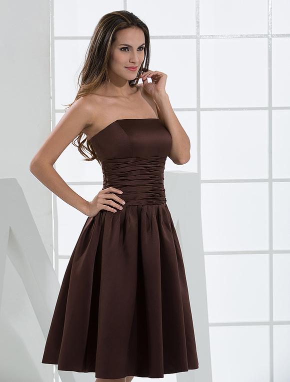808565767dca Vestido de cóctel de color chocolate de satén sin tirantes mini