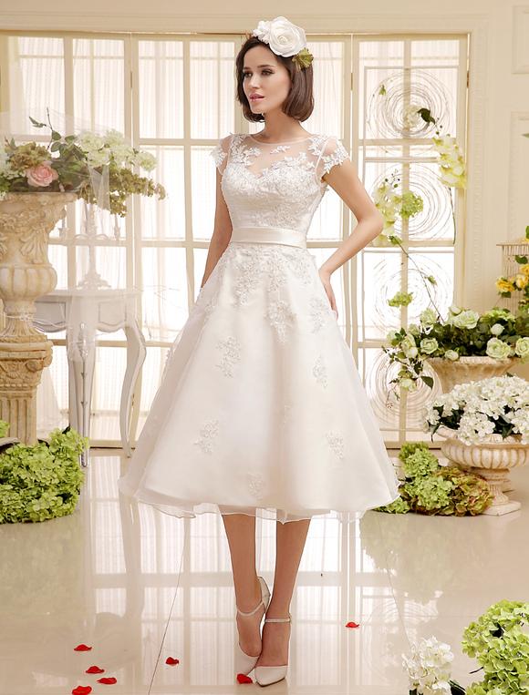 Short Wedding Dresses Ivory Lace Applique Vintage Bridal Dress Illusion Sweetheart Open Back Tea Length