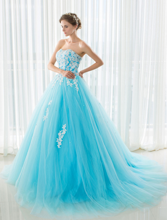 Hochzeitskleid Blau