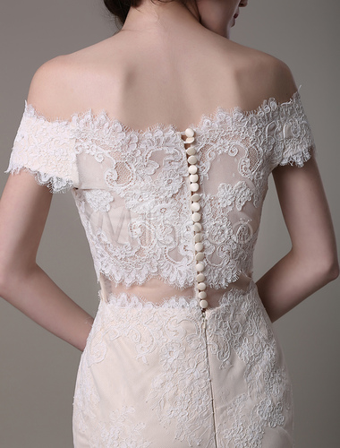 Champagne vintage mermaid lace wedding dress with off the for Vintage off the shoulder wedding dresses
