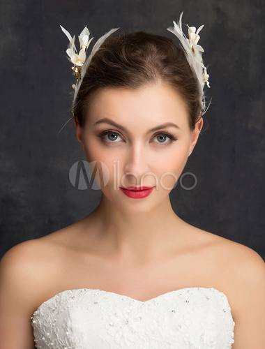 plume mariage perruques cheveux blancs clip strass perles accessoires cheveux mari e papillon. Black Bedroom Furniture Sets. Home Design Ideas