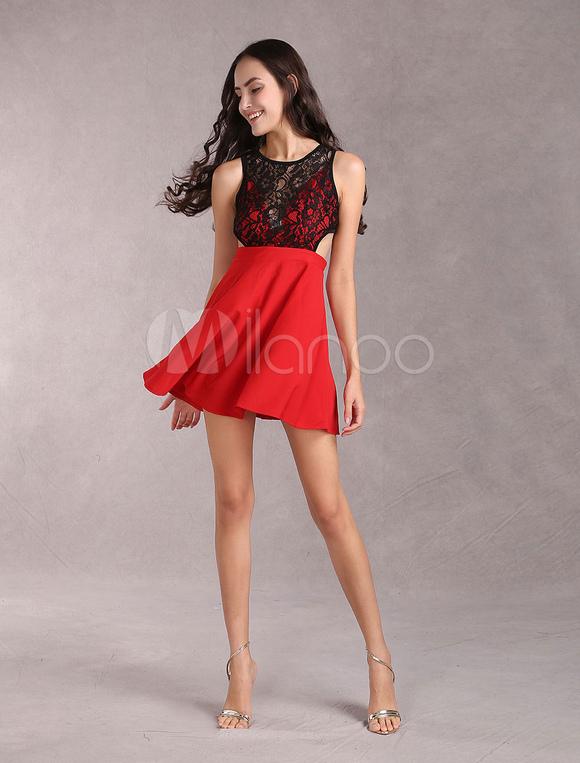 timeless design efc24 d7d0f Elastico vestito rosso di pizzo per donna con cutout vita