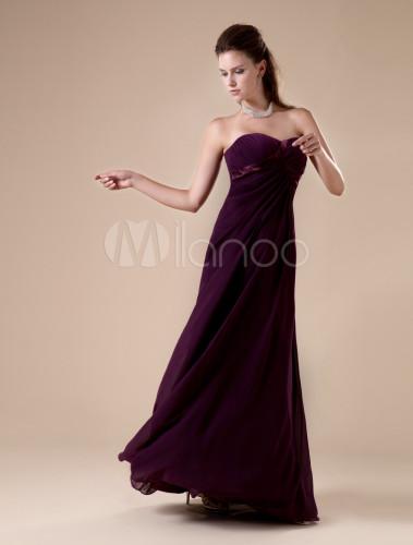Vestidos de noche en color uva