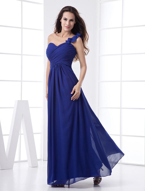 f7999c675fb4 ... Abito da damigella d onore blu royal in chiffon con monospalla e stile  imperiale a ...