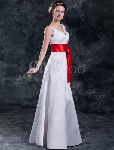 Vestido de boda blanco y rojo