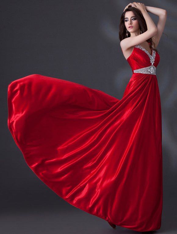 Robe satin de soie rouge