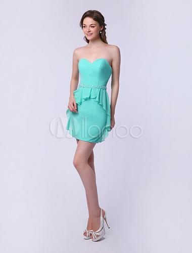 Vestido verde zapatos plateados