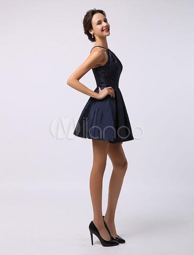 Robe demoiselle d 39 honneur a ligne en satin bleu marine for Robes de demoiselle d honneur mariage marine