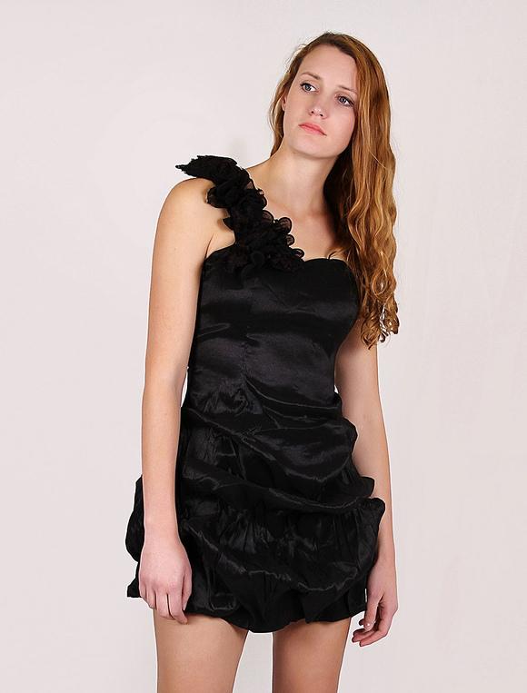 cheap for discount 706c3 47c66 Tubino nero corto monospalla plissettato per donna