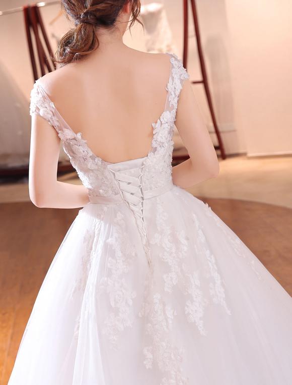 c209bdf79 ... Vestido de novia princesa con escote ovalado De banda de encaje con  manga corta Con cola ...