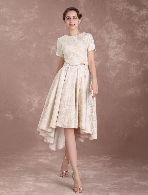 Vestido de novia corto con cola