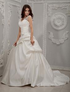 Vestido de novia con cuello en V de cola larga
