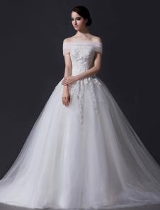 Vestido de noiva marfim princesa ombro de fora em tule e renda com cauda e aplique