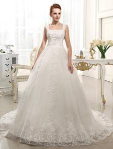 Свадебное платье A-силуэт на бретельках со шлейфом из атласа с бусинами
