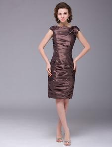 Vestido para la madre de la novia de color marrón de tafetán con hombro caído  Vestidos de boda para huéspedes