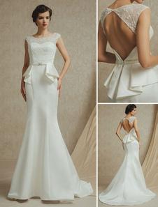 Vestido de novia de satén con escote redondo de cola barrida