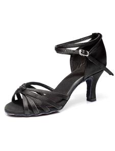 Zapatos de salón de satén color marrón oscuro para las mujeres