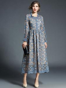 Vestido feminino com longas mangas enroladas e mangas compridas em renda azul