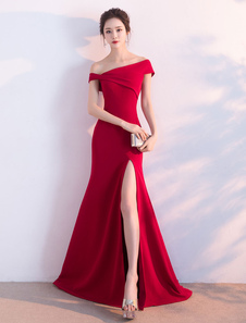 Vestidos de fiesta largos Vestido de noche Tela Satén de color borgoña con manga corta con escote de hombros caídos con abertura lateral