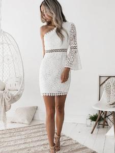 Vestido de verão 2020 em renda branca com mangas de sino com mangas compridas