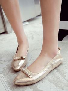 Zapatos de ballet de mujer de oro en punta del pie del resbalón del arco en las bombas planas