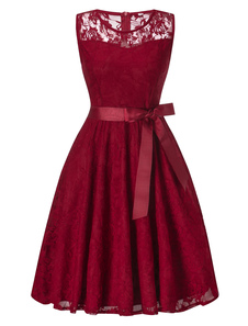Платье вечернее из шифона с кружевным узором без рукавов