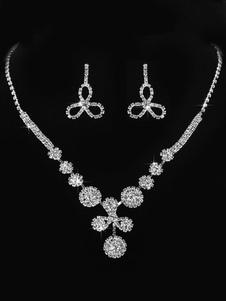 Комплект ювелирных изделий с бриллиантами и бриллиантами