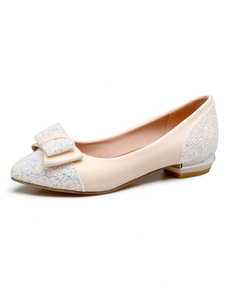 Zapatos planos de las mujeres en blanco ecru dedo del pie acentuado resbalón en los zapatos