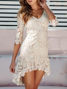 Женское кружевное платье с V-образным вырезом