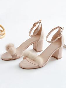 As mulheres das sandálias do salto do bloco abrem sapatas da sandália da correia do tornozelo do dedo do pé com Pom Poms