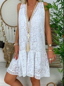 فساتين الدانتيل الأبيض الخامس الرقبة بلا أكمام الفساتين عارضة اللباس التحول