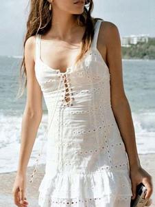 Vestido blanco de verano Vestido de playa sin espalda con cordones bordados con ojales
