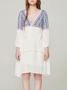 Vestido de verano con cuello en V y mangas bordadas Vestido de playa bordado