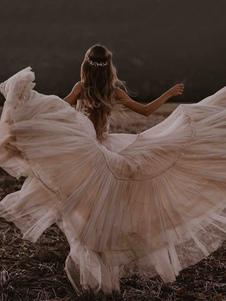 Abiti da sposa Boho Una linea profonda scollo a V al pavimento senza maniche in pizzo senza schienale abiti da sposa