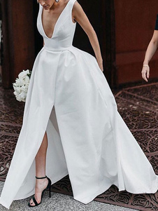 Vestidos de novia vintage Cuello en V Sin mangas Cintura natural Tela de raso Vestidos de novia plisados con tren