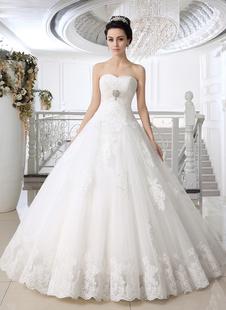 Abito da sposa bianco in tulle con perline con scollo a cuore