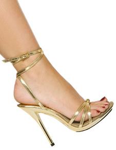 Sandalias doradas de tacón alto