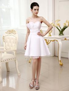 Белое короткое свадебное платье с вырезом в виде сердца