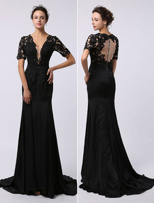 Vestido de noche negro con manga corta con cuello en V con cuentas
