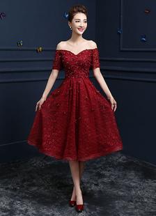 Pizzo abito da Cocktail Borgogna fiore perline Prom vestito Off della spalla Sweetheart manica corta un linea ginocchio lunghezza Party Dress