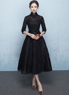 Vestido para la madre de los novios de encaje negro con escote Ilusión con 1/2 manga con botones de línea A hasta la pantorrilla