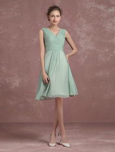 Sage Green vestido de dama de honor hasta la rodilla plisado vestido de fiesta V cuello sin mangas una línea de vestido de cóctel