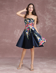 Vestidos de fiesta cortos Vestidos De Fiesta Satén 2020 Bordado Floral Vestidos Cortos De Bienvenida Azul Marino Oscuro Sin Tirantes Sin Mangas Plisados Vestidos De Graduación